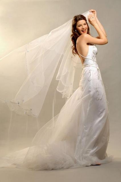 Vestido spalda escubierta, Ezequiel García | Casamientos Online