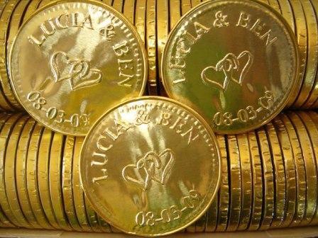 souvenir monedas de chocolate personalizadas LB | Casamientos Online