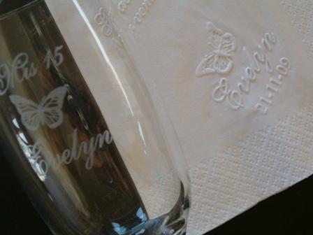 Souvenir servilleta personalizada E | Casamientos Online