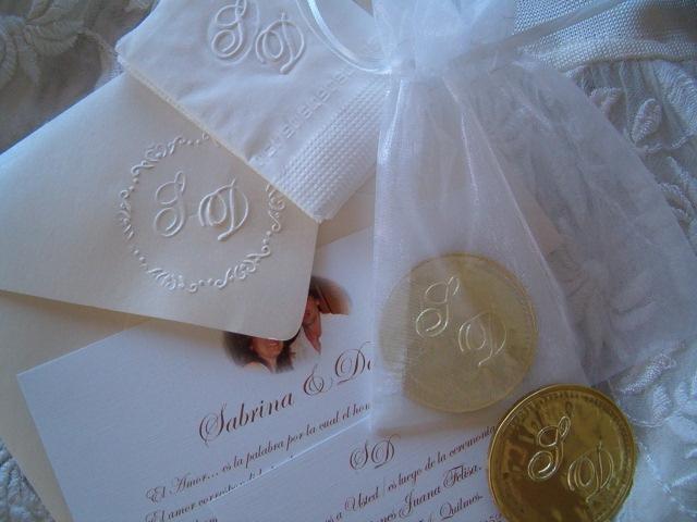 Tarjetas de casamiento y souvenirs relieve | Casamientos Online