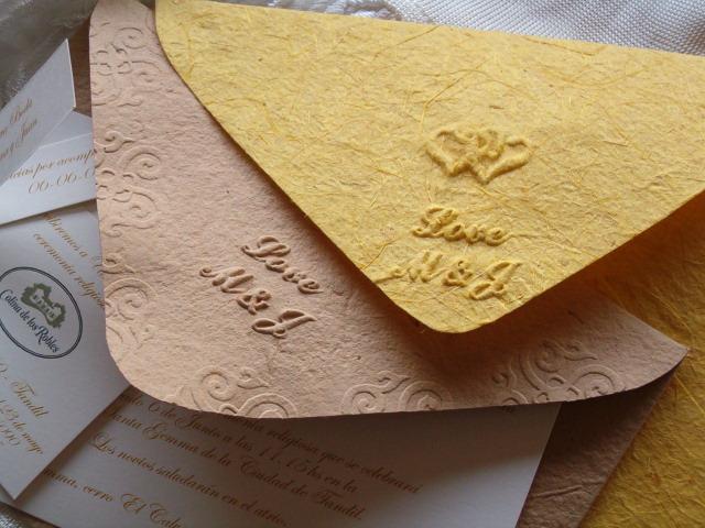 tarjetas de casamiento en papel hecho a mano | Casamientos Online
