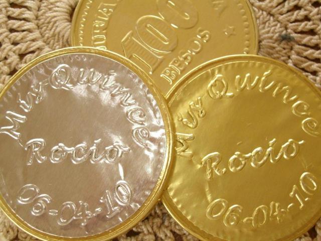 Souvenir monedas de chocolate personalizadas  R | Casamientos Online