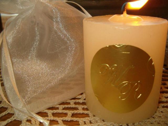 Souvenir velas personalizadas con etiqueta | Casamientos Online