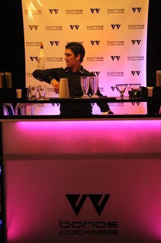 Bonos Cocktails Working Flair