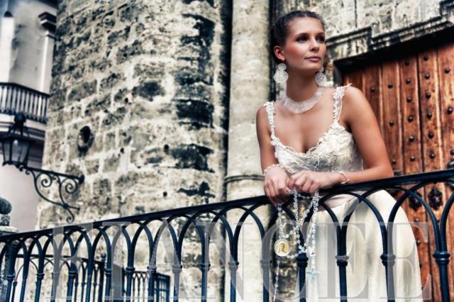 Vestido de seda y tul bordado | Casamientos Online