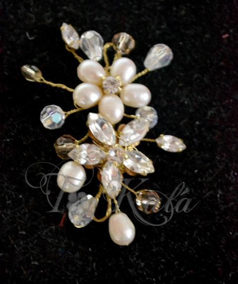 Horquilla flores de perlas y navattes | Casamientos Online