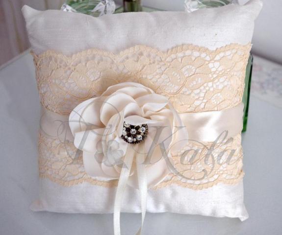 Almohadón para anillos | Casamientos Online