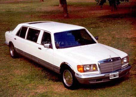 Limo Mercedes Benz blanca | Casamientos Online