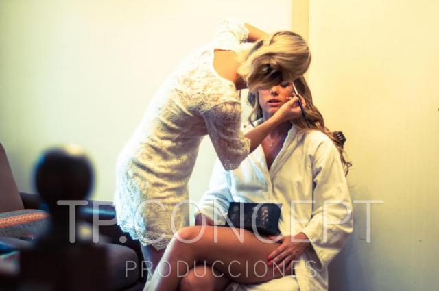Civil Delfi y Marcus | Casamientos Online