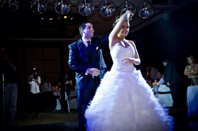 Tiempo de Waltz, Clases de Baile para Novios y 15 años | Casamientos Online