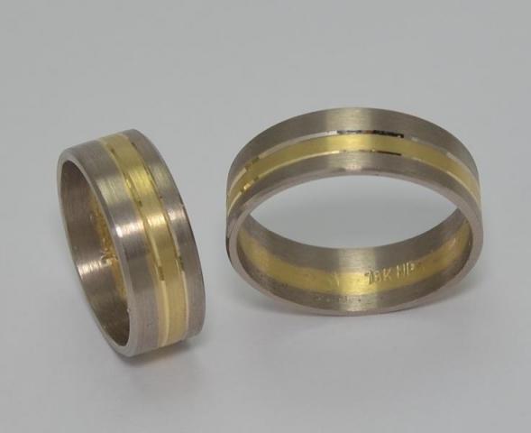 Exclusivas Alianzas Cintas Bicolores Oro18klts. Codigo: CBI01 www.karinjoyerias.com   Casamientos Online