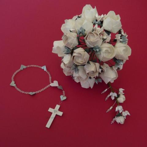 Ramo de novia, tocado y rosario | Casamientos Online