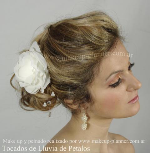 make up novia y peinado recogido | Casamientos Online
