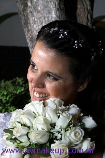 Maquillaje y peinado. | Casamientos Online