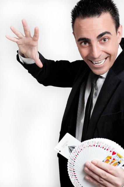 Iñaki Zabaletta llena de magia tu evento...