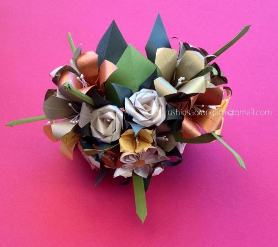 Ramo de novia. Lirios y rosas. Ramo corazón. | Casamientos Online