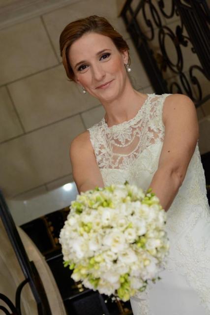 Novias 2014. Ceremonia Mariela. Maquillaje y peinado by Bendito | Casamientos Online