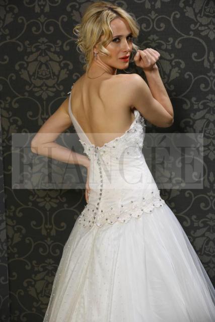 Fiancee Nº23 Julieta detalle de corset de espaldas | Casamientos Online