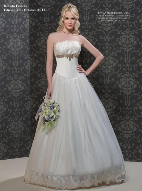 Fiancee Nº23 Julieta natural con cinturón de cristales | Casamientos Online