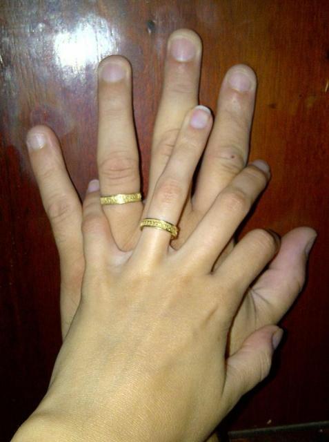 Marcela & Alejandro eligieron Alianzas en Hebreo en Oro 18kt   Casamientos Online