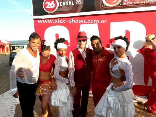 Alex Shows en Desfile de Piazza   Casamientos Online
