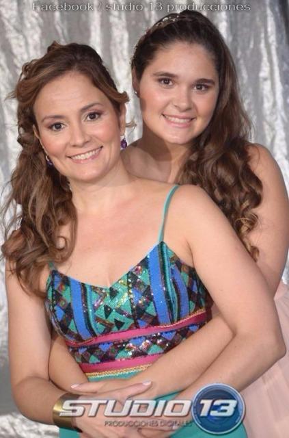 Maquillaje y peinado para 15 de Sol junto a su Madre Vanina. | Casamientos Online