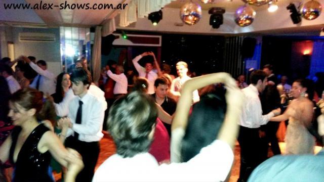 Show Aerolineas-Alex Shows | Casamientos Online