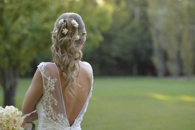 tocados de flores naturales  | Casamientos Online