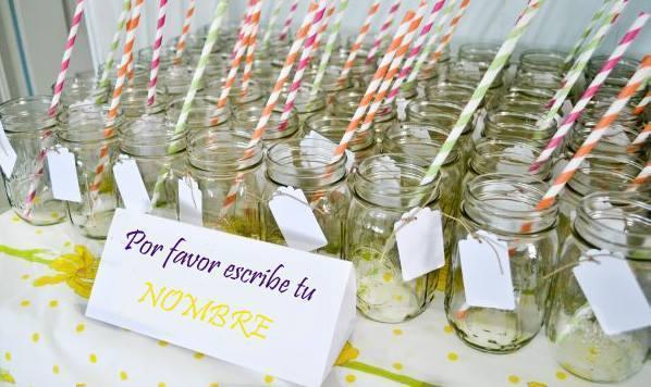 Frascos para tragos con sorbetes de papel | Casamientos Online