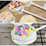 Nota de DIY: oreo-pops para la mesa dulce!