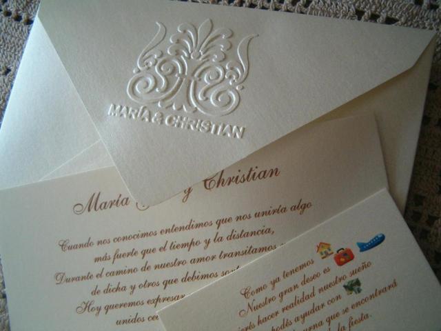 Tarjeta de casamiento  con logo  relieve | Casamientos Online