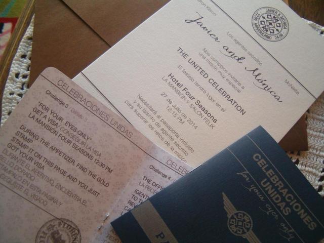 Tarjeta de casamiento tipo pasaporte  | Casamientos Online