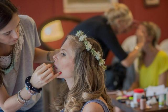 paula nougues y clara beltran make up, maquillaje y peinado | Casamientos Online