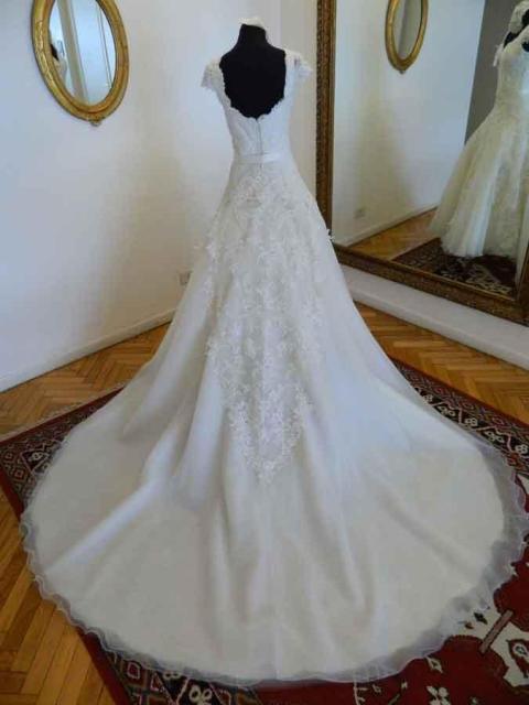 LILY NAYA, Vestido Romántico | Casamientos Online