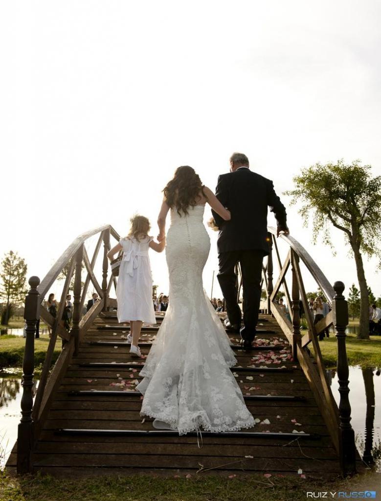 Novios. Casamiento de día en estancia Campo Puesto Viejo.