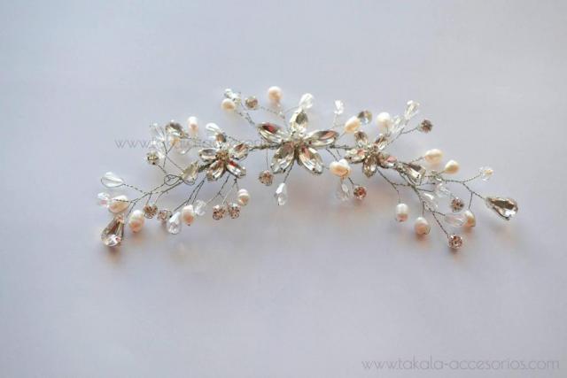 Tocado flores cristal y perlas | Casamientos Online