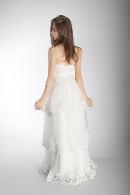 Art. 03239 Vestido con 3 capas de tul y terminaciones de guipiure (back) | Casamientos Online