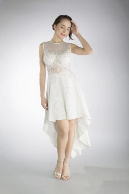 Art. 03176 Vestido de falda high low con corset semi transparente | Casamientos Online