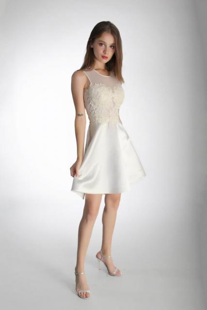 Art. 03184 Vestido civil escote ilusión con falda de satén  | Casamientos Online