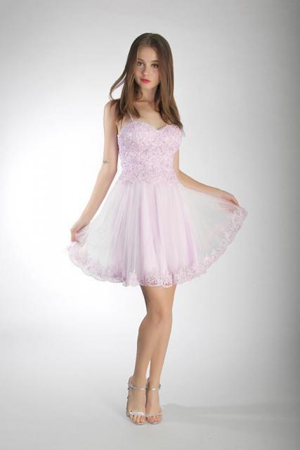 Art. 03189 Vestido de 15 escote corazón con aplicaciones de guipiure | Casamientos Online