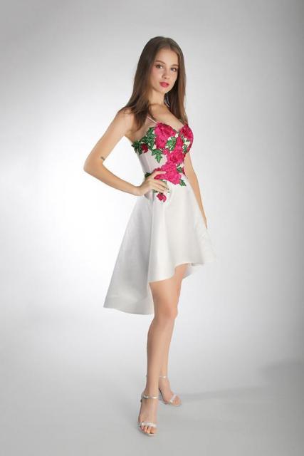 Art. 03218 Vestido de egresada con falda high low | Casamientos Online