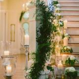 Ambientación de escaleras con velas