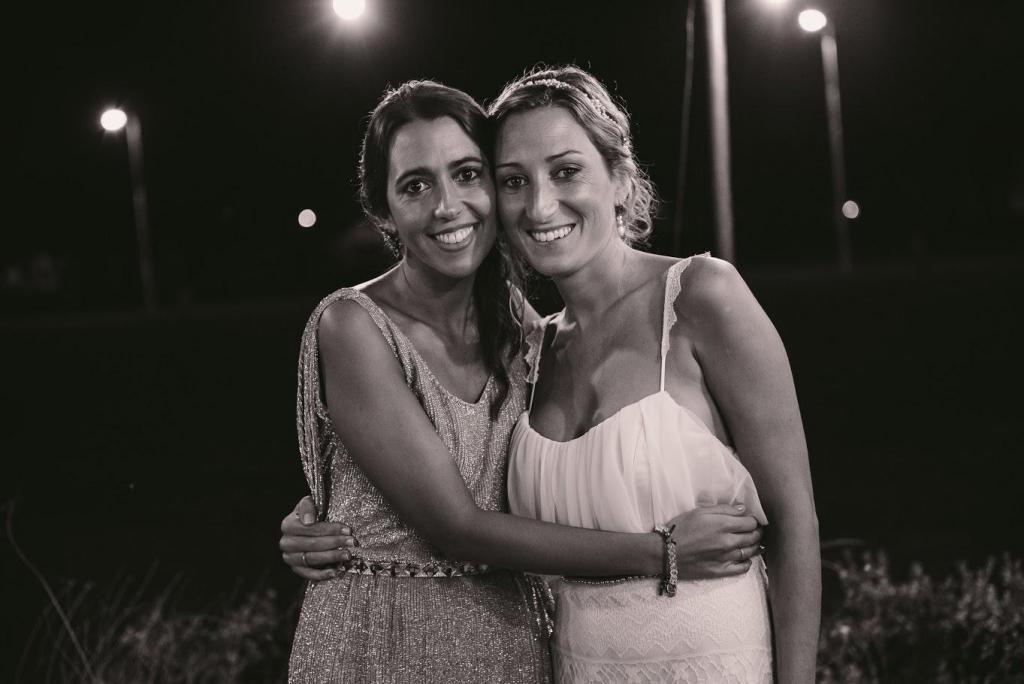 foto de la novia con la hermana