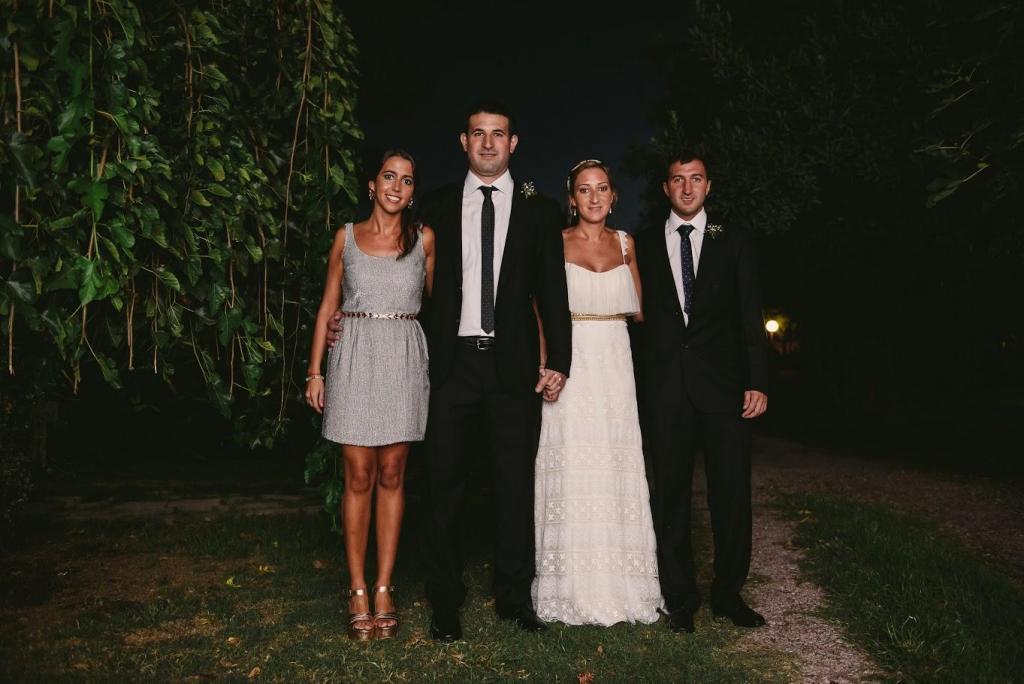 foto con los hermanos de los novios