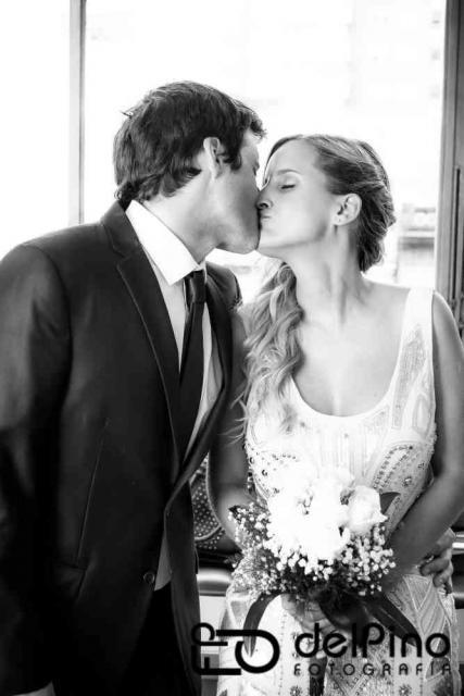 Y más besos | Casamientos Online