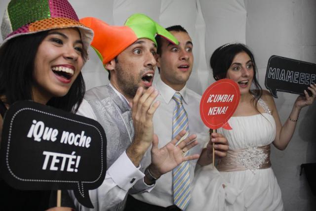 Ozom! (Cabinas de mensajes, fotos y video) | Casamientos Online