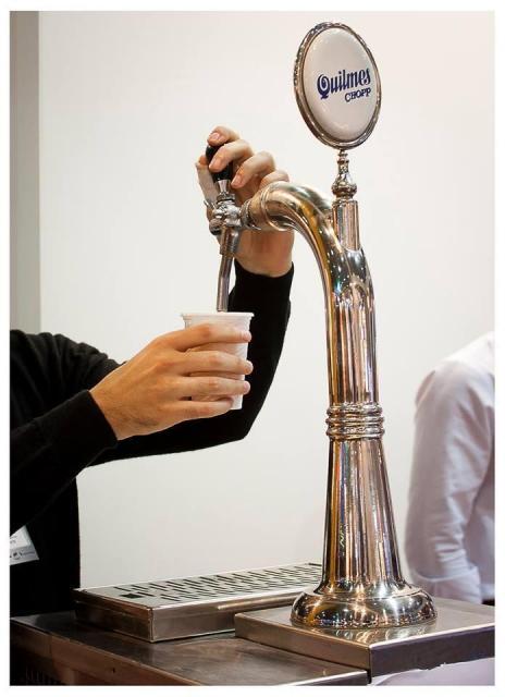 Cerveza tirada Quilmes. | Casamientos Online