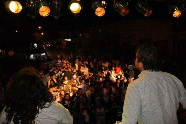 DESFILE DE CARROZAS en Rio Segundo con mucha fiesta!!!