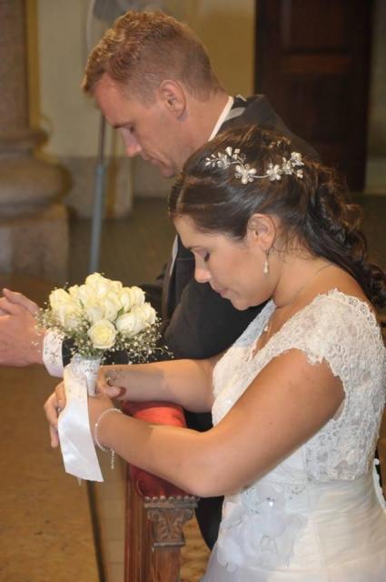 Novia Soledad ceremonia religiosa Adelaida Mercado makeup hair | Casamientos Online