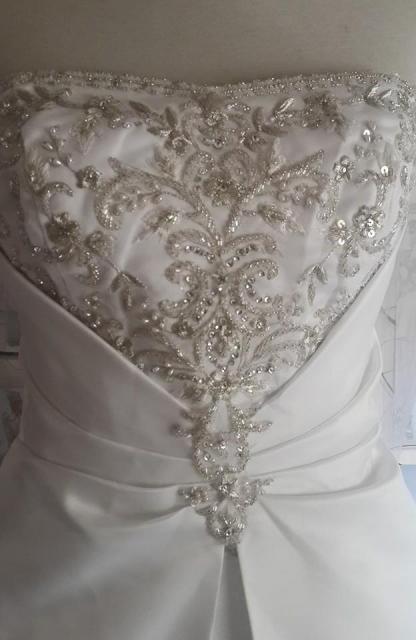 Vestidos de novia y algo mas